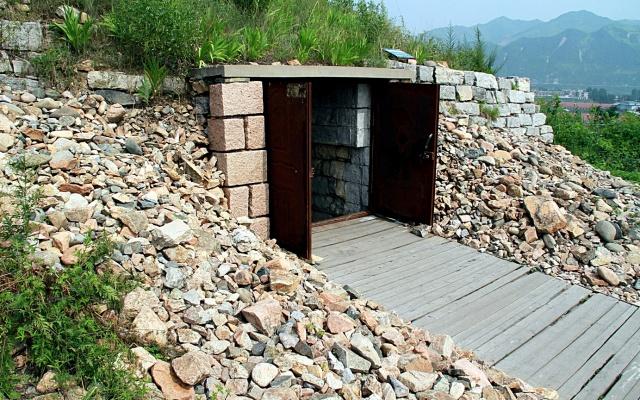 Vstup do hrobky Gwanggaeta Velikého
