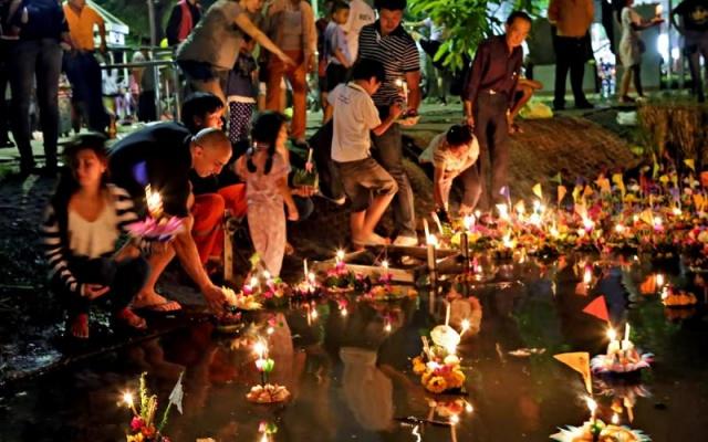 Oslavy Loi Krathong v Thajsku