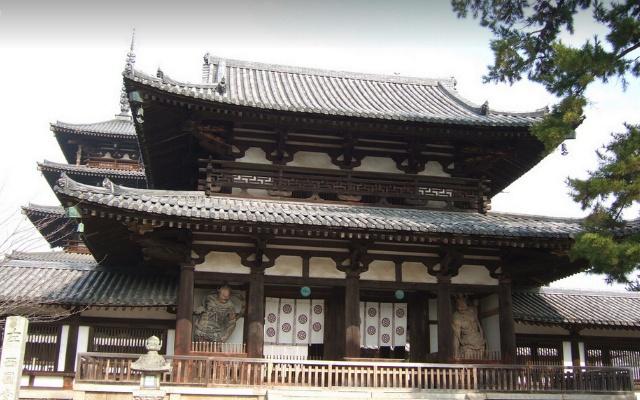 Hórjú-dži by  Etsuko Nakamura/flickr.com