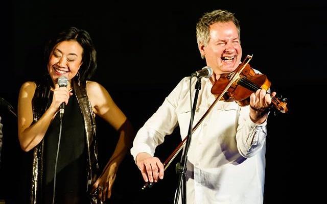 Zpěvačka Feng-yűn Song a houslista Martin Zbrožek