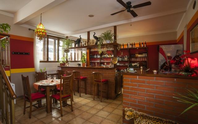 Indicko-bangladéšská restaurace Curry Palace