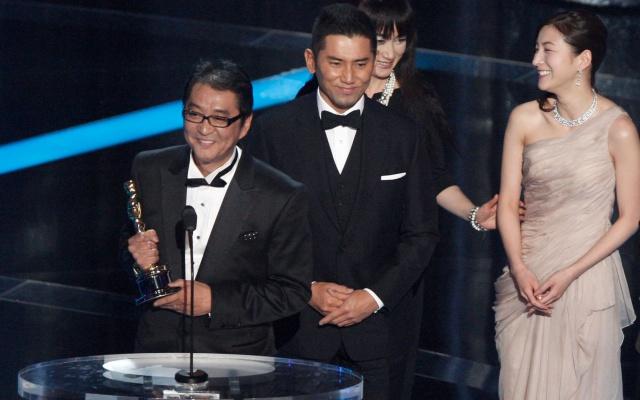 Přebírání Oscarů za film Okuribito