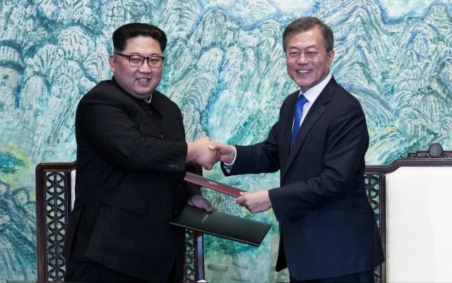 Kim Jong Un,  Moon Jae In