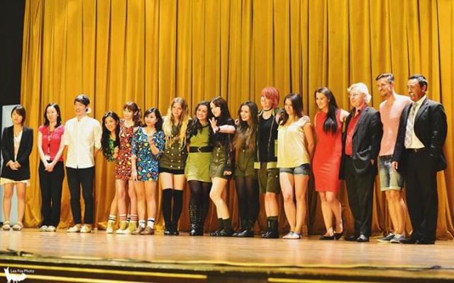 Vítězové K-POP Contestu 2014 s porotou