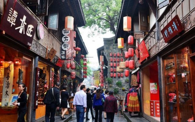 Stará ulička asijského města