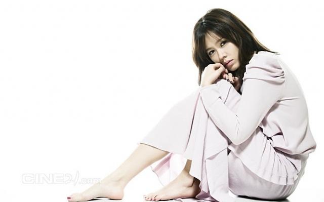 Son Ye Jin pro Cine21