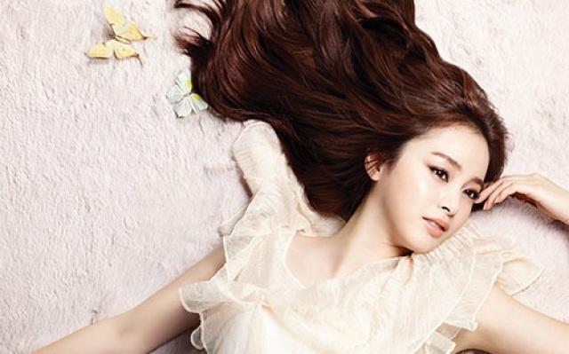 Kim Tae Hee má opravdu dokonalé vlasy.