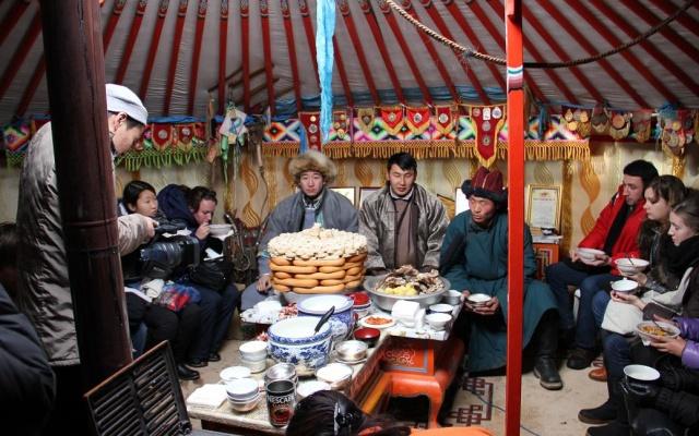 Oslava v mongolské jurtě