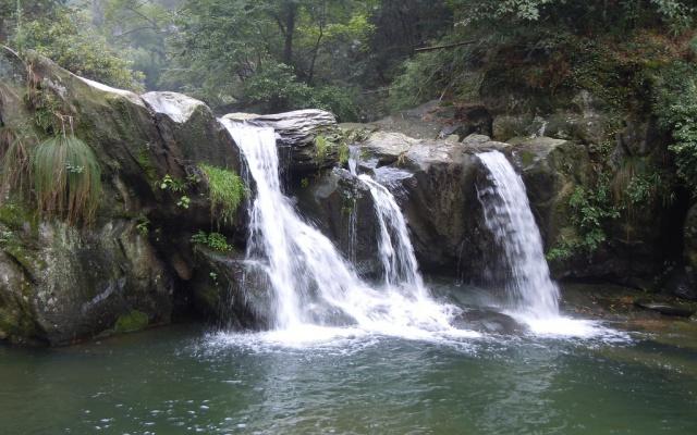Vodopády na Mount Loushan