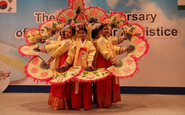 Indky studující korejský jazyk a kulturu