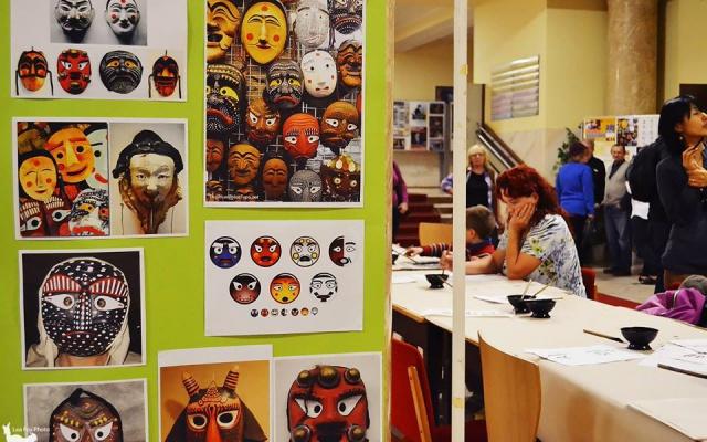 Obrázky tradičních korejských masek