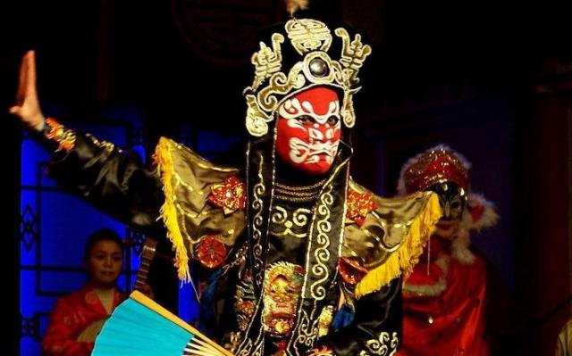 Představení čínské opery v Chengdu