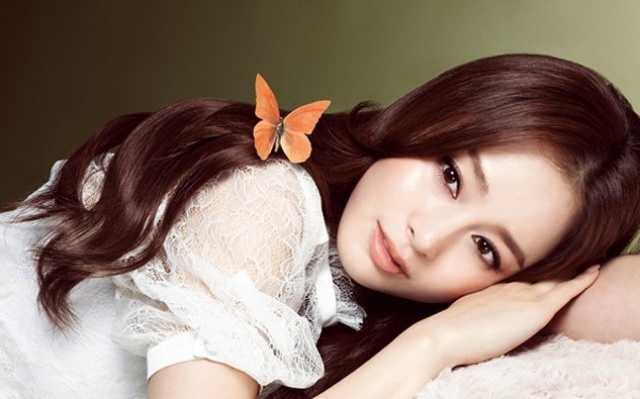 "Kim Tae Hee pro ""Marie Claire"""