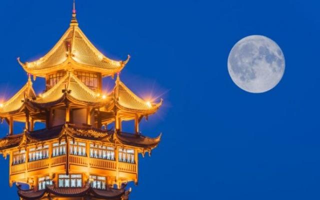 Čínske mesto Chengdu sa čoskoro dočká vlastného mesačného svitu