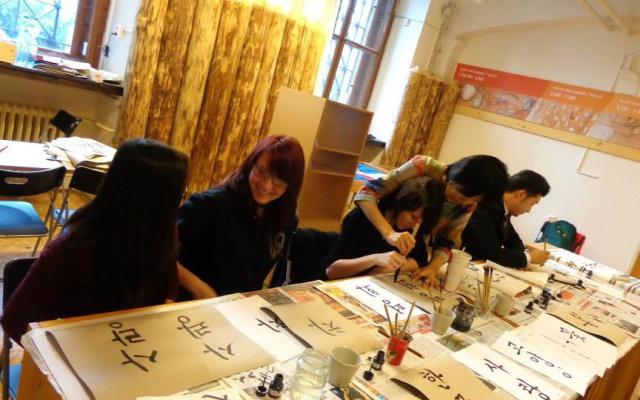 Workshop kaligrafie na Korejském víkendu v Praze