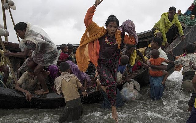 Ronzhinští uprchlíci u Bangladéšských břehů, září 2017