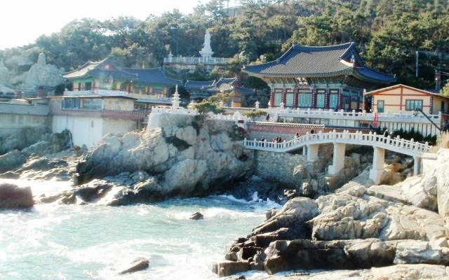 Chrám Haedong Yonggungsa v Busanu