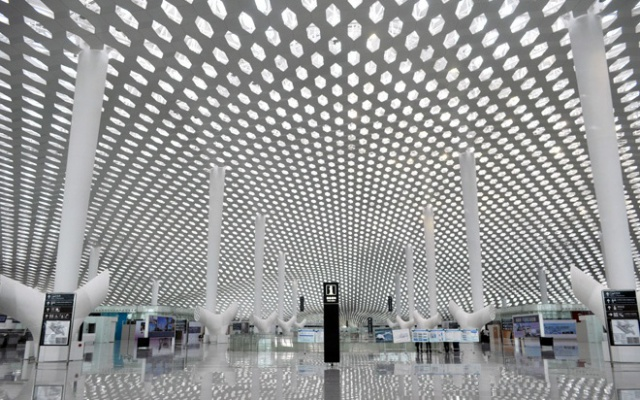Prostory nové odbavovací haly v Shenzhenu