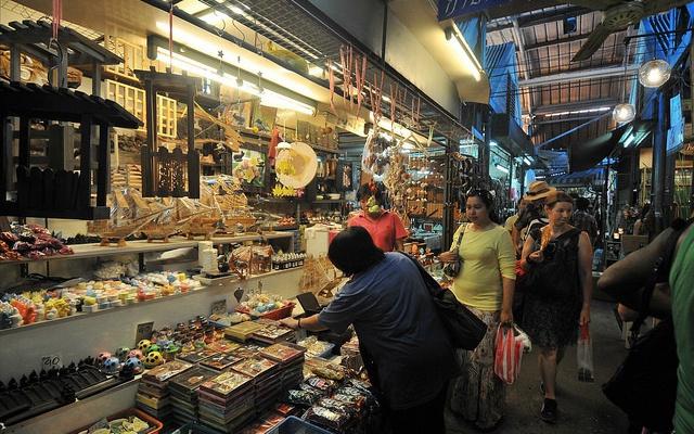 Víkendový trh v Bangkoku