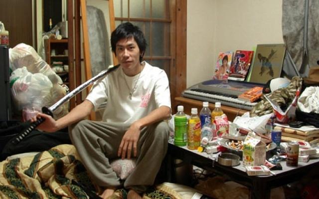 Yasuaki Wada, 22 let, hikikomori (2004)