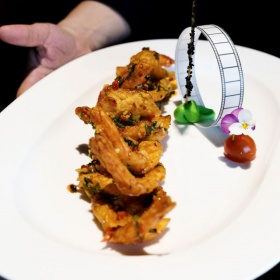 Pražené olúpané krevety s korením